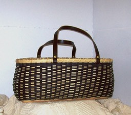 KNITTERS TOTE WITH WOOD BASE